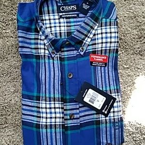 CHAPS LONG SLEEVE PERFORMANCE FLANNEL SHIRT - MED.